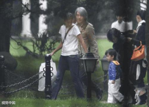 """Thông tin chấn động: """"Vua hài"""" Châu Tinh Trì có con trai 11 tuổi với fan hâm mộ giàu có"""