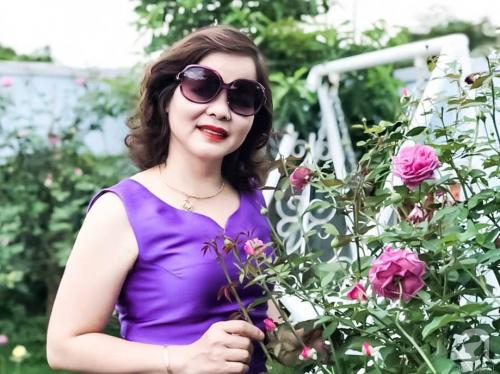 Khu vườn 600m² đẹp lãng mạn và rực rỡ hoa hồng của cô giáo dạy Văn ở Đà Lạt - Ảnh 3.