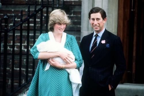 """Công nương Diana đã mất 6 năm để vượt qua """"cơn ác mộng"""" trầm cảm sau sinh như thế nào?"""