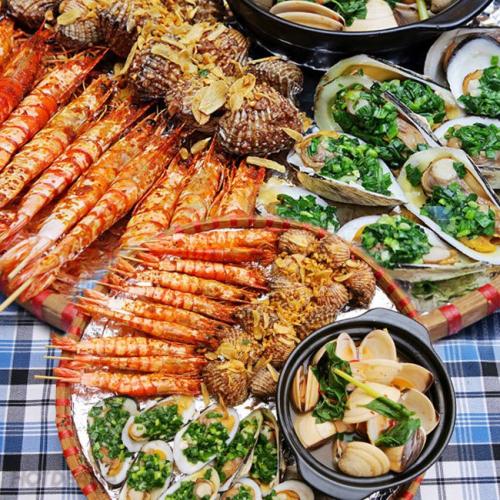 Nhóm 9 người đi Hạ Long ăn cả mâm hải sản hết 2,5 triệu vẫn kêu đắt, cô gái bị dân mạng cho sáng nhất Facebook hôm nay - Ảnh 3.
