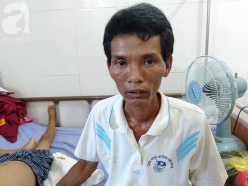 Lời cầu cứu trong nước mắt của bé trai 10 tuổi mắc bệnh ung thư gan bên người cha tật nguyền: