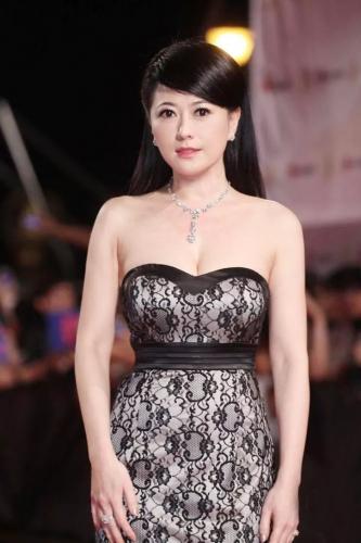 """""""Mỹ nhân đẹp nhất Đài Loan"""" Qua Vỹ Như: Từng hai lần gả vào hào môn nhưng ở tuổi 54 vẫn độc thân - Ảnh 8."""