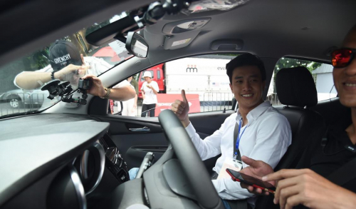 Tranh nhau lái thử VinFast Fadil: Có người đặt mua ngay sau khi trực tiếp cầm lái - Ảnh 3.