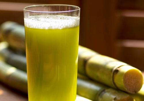 """Uống nước mía trong mùa hè: Vừa đã khát lại """"diệt trừ"""" bệnh tật nhưng nếu thuộc 5 nhóm người sau thì bạn tốt nhất nên nhịn miệng - Ảnh 1."""