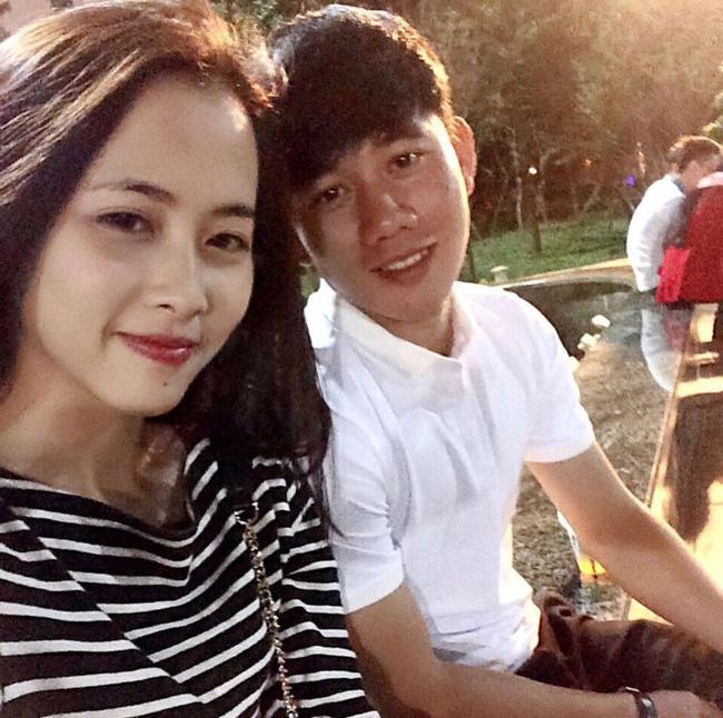 """Lộ diện bạn gái """"xinh hết phần người"""", đang sống ở Mỹ của cầu thủ Minh Vương"""