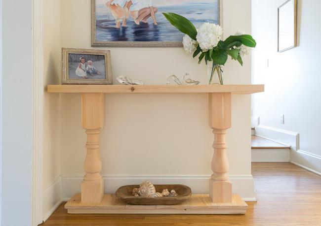 Những cách dùng bàn trang trí để vừa phát huy tác dụng lưu trữ vừa giúp căn phòng thêm đẹp