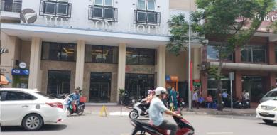 TP.HCM: Điều tra cái chết của người đàn ông ngoại quốc rơi từ lầu 6 khách sạn xuống đất