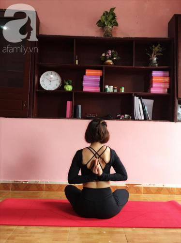 Mắc ung thư họng năm 35 tuổi, mẹ đơn thân tự đi viện mổ một mình, sống xinh đẹp, vui vẻ nhờ từ bỏ công việc ổn định để làm HLV yoga - Ảnh 8.