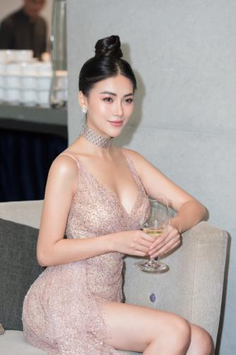 Vượt Ngọc Trinh, Phương Khánh bất ngờ gia nhập hội mỹ nhân eo con kiến với số đo 54cm - Ảnh 5.