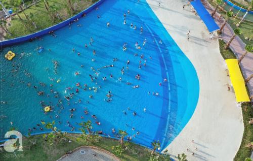 Những hình ảnh tuyệt đẹp trong công viên nước khổng lồ mới ở ngoại thành Hà Nội, thu hút các gia đình dịp hè này - Ảnh 3.