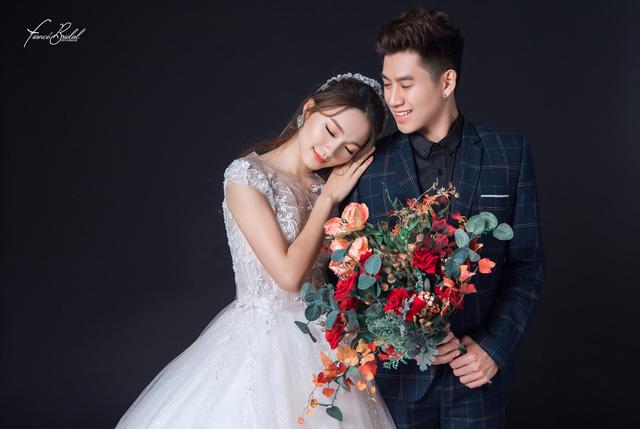 Nguyễn Ngọc Nữ - Top 10 Hoa Hậu Hoàn Vũ nổi bật cùng chiếc váy cưới nghìn đô - Ảnh 13.