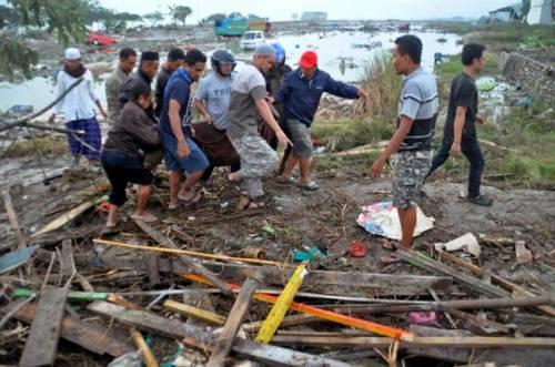 Hòn đảo ở Indonesia tan hoang sau thảm họa kép động đất – sóng thần